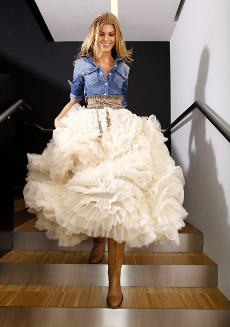 Rustic chic for Fluffy skirt under wedding dress